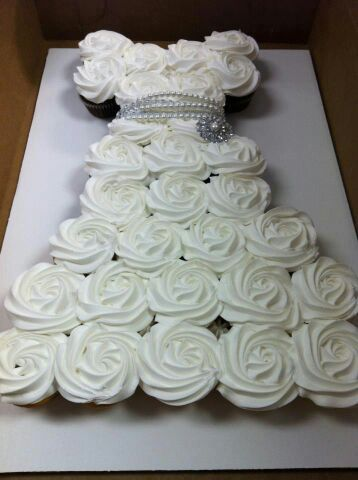 Pastel en forma de vestido, pasteles de boda, repostería americana, cupcakes para bodas, galletas personalizadas para bodas, caravanas para bodas, popcakes para bodas