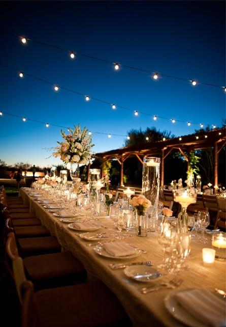 cuerdas con bombillas, iluminación para bodas de noche, velas para decorar bodas, bodas por la noche, ideas para bodas de noche